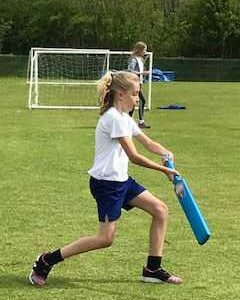 Years 5 & 6 Cricket Session with Twyford Cricket Club
